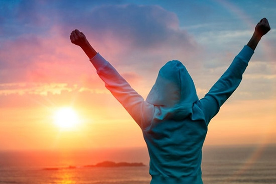 آیا میخواهید عزت نفس خود را تقویت کنید؟ این ۷ عادت سمی را کنار بگذارید